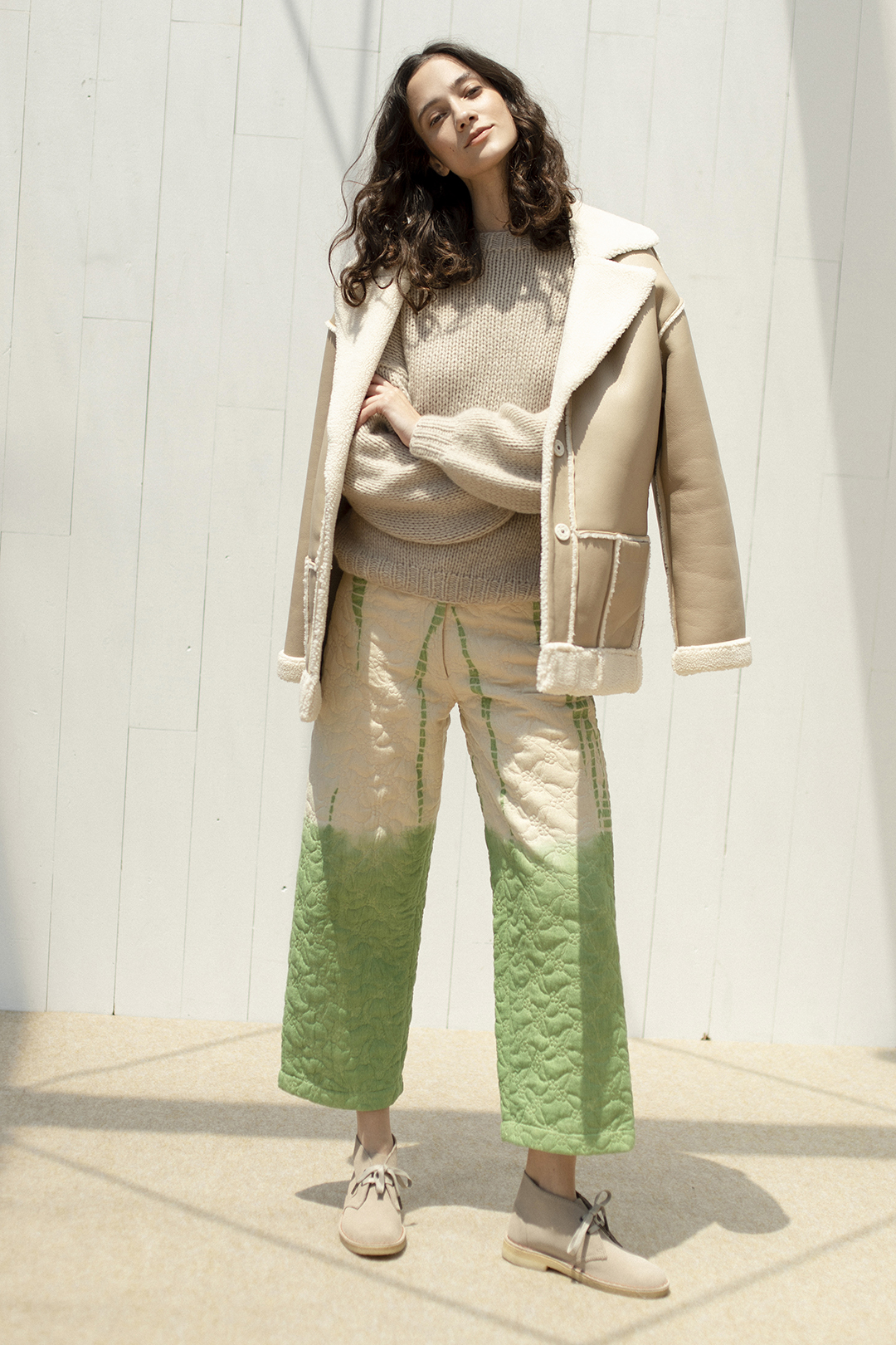20_1 outer¥80,300  knit¥67,100  pants¥50,600  shoes¥25,300