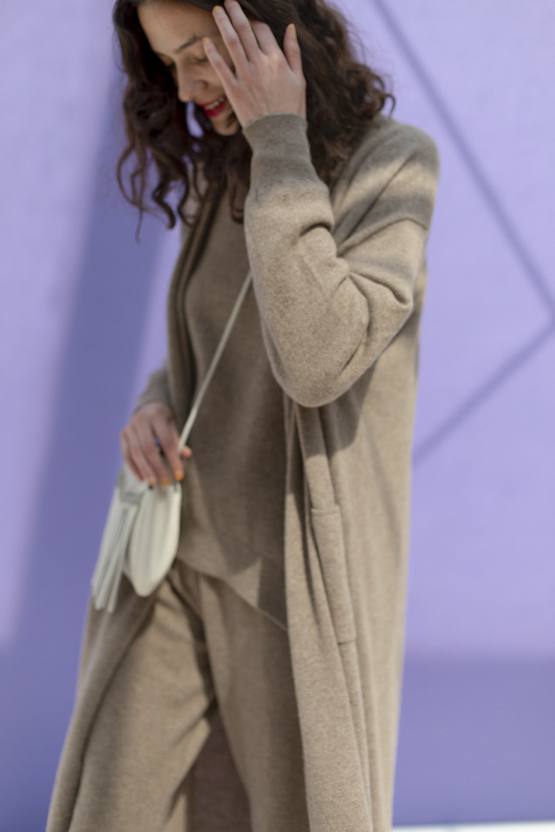 31_1 cardigan¥61,600  knit¥67,100  pants¥64,900  bag¥17,490