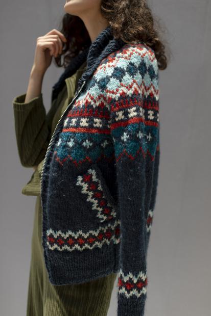 37_2 jumpsuit¥36,300  knit¥56,100