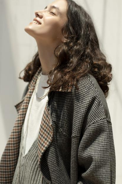 39_1 outer¥132,000  knit¥31,900  tee¥12,100  necklace¥50,600