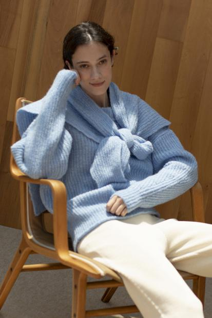 41 knit¥42,900  stole¥23,100  pants¥28,600